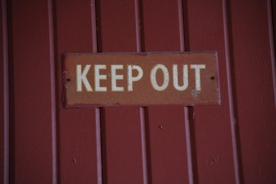 keep-out-4845935_1280